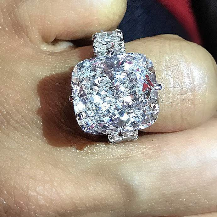 Keyshia Ka'Oir's diamond engagement ring
