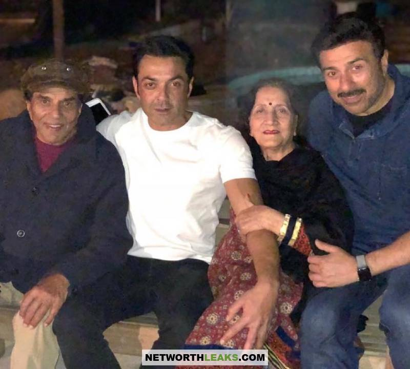 Sunny Deol with his brother and parents