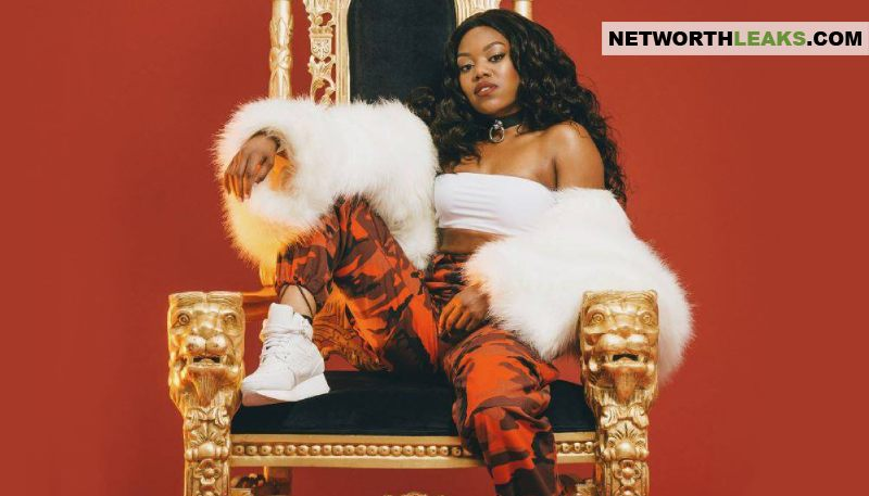 Lady Leshurr's Lion King Throne Chair